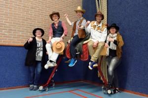 """Geslaagd """"Western"""" badmintontoernooi"""